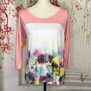 Cable & Gauge Floral Hi-Low 3/4 Sleeve Stretch Top